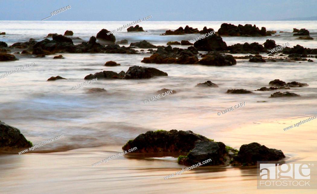 Photo de stock: Rocky coast, Maui. Hawaii, USA.