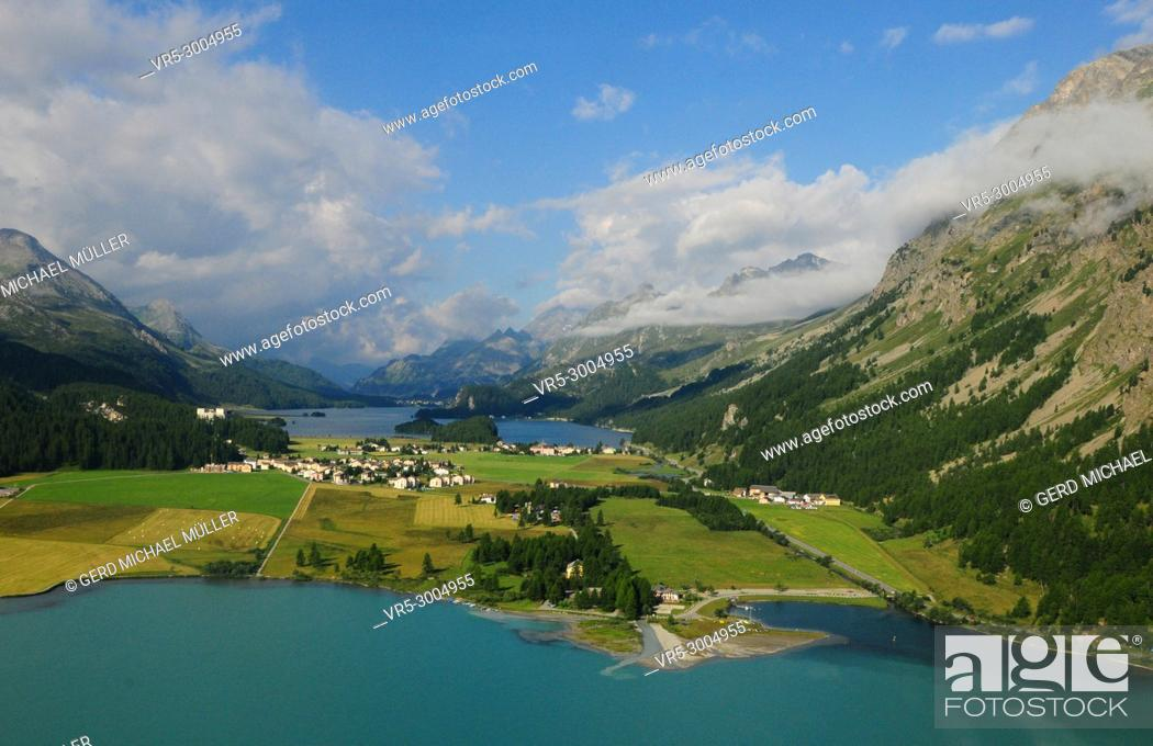 Stock Photo: The mountain glacier lakes of the Upper Engadin at Silvaplana and Sils.
