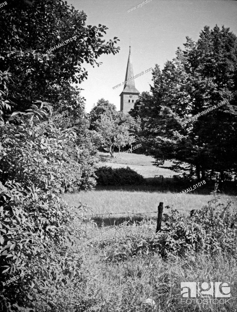 Stock Photo: Blick auf die Kirche in Juditten, einem Stadtteil von Königsberg, Ostpreußen, 1930er Jahre. View to the church of Juditten, a district of Koenigsberg.