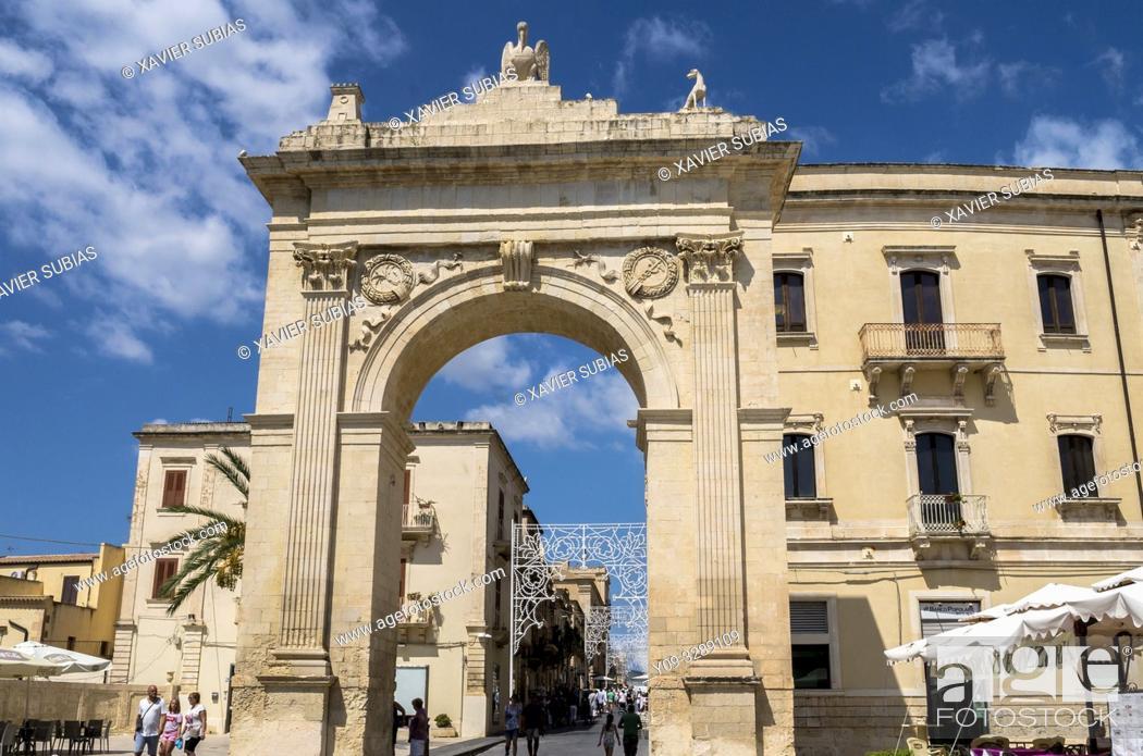 Stock Photo: Porta Real, Noto, Siracusa, Sicily, Italy.