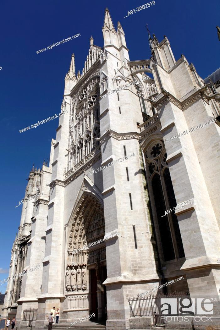 Stock Photo: France, Somme departement, Amiens, the gothic cathedral, built by architect Robert de Luzarches, from 1220 to 1288, is France's largest cathedral.