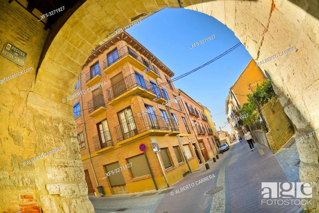 Stock Photo: Arco del Postigo, Postern Arch, 10th Century, Old Town, Toro, Zamora, Castilla y León, Spain, Europe.