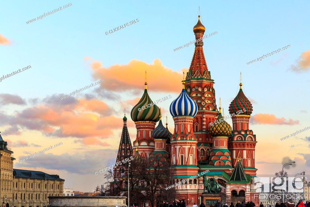 Stock Photo: Russia, Moscow, Red Square, Kremlin, St. Basil's Cathedral.