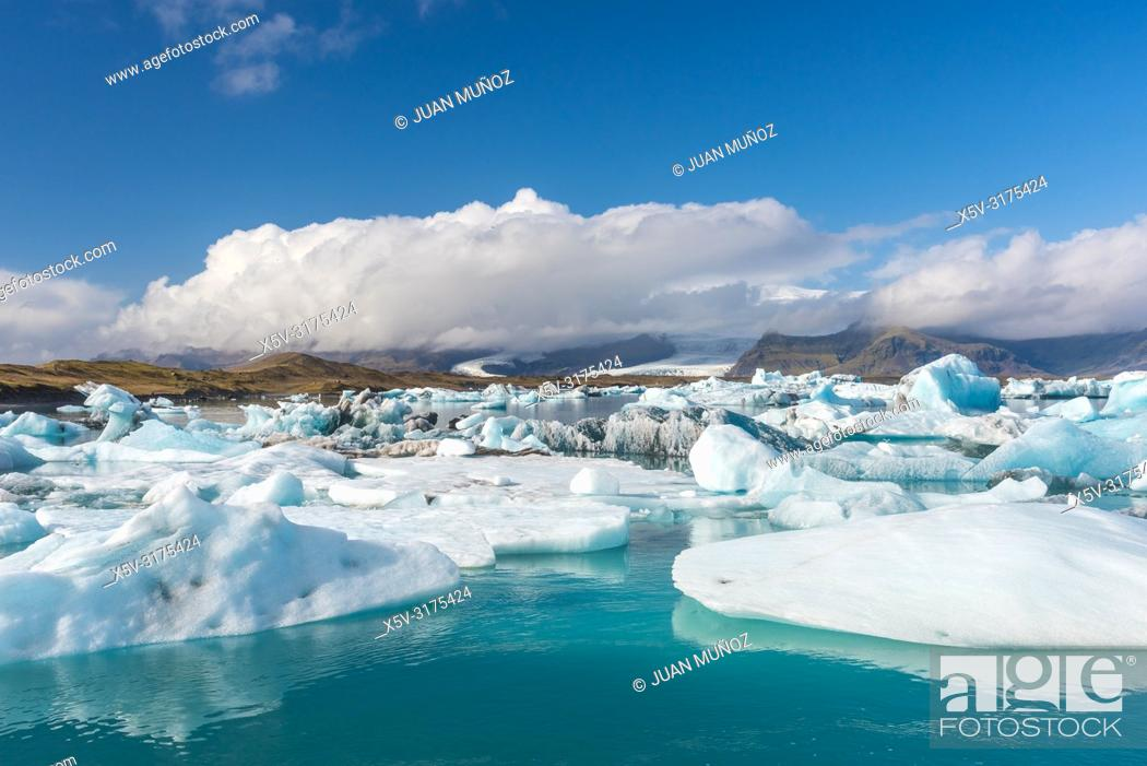 Stock Photo: Vatnajokull glacier. Iceberg in Jokulsarlon. Iceland.