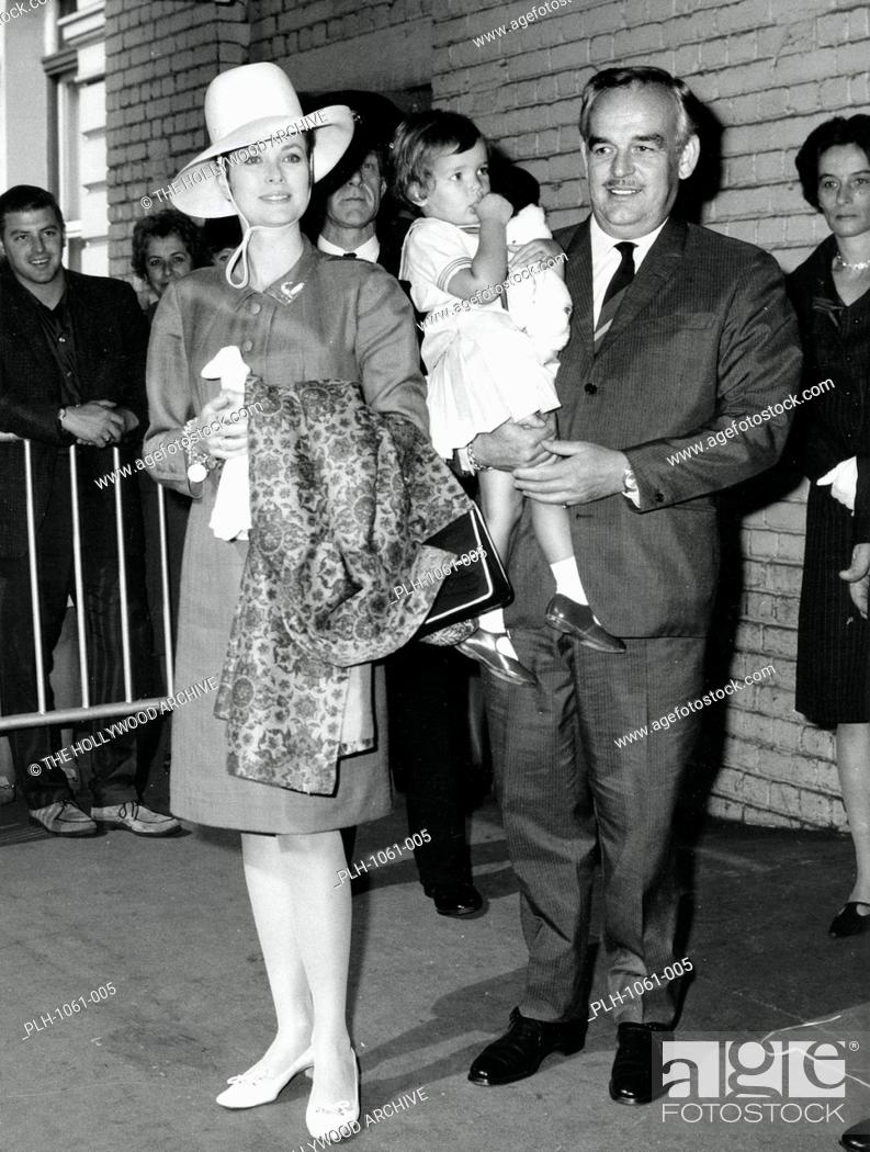 Stock Photo: Grace Kelly and Prince Rainier with 2 year old Princess Stephanie, July 5, 1967.