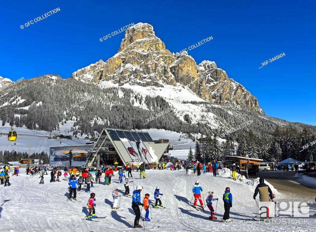 Photo de stock: Ski resport Corvara, Kurfar, peak Sassongher behind, Alta Badia, Dolomites, South Tyrol, Italy.