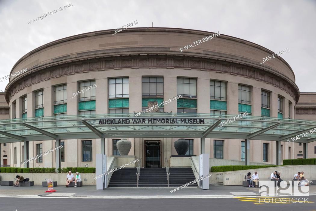 Stock Photo: New Zealand, North Island, Auckland, Auckland War Memorial Museum, exterior.
