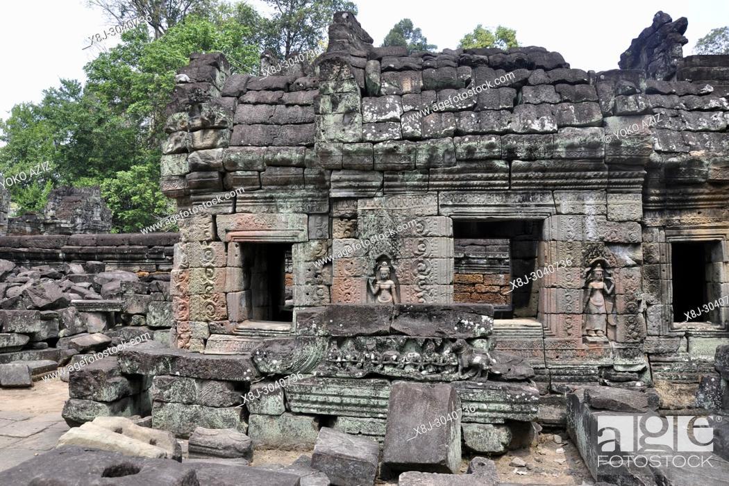 Stock Photo: Cambodia, Siem Reap temple, Angkor Wat.