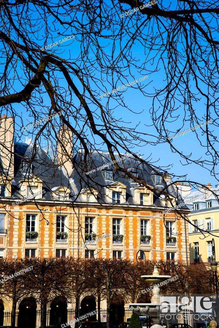Stock Photo: Place Royale, the Place des Vosges, Paris, France, Western Europe.