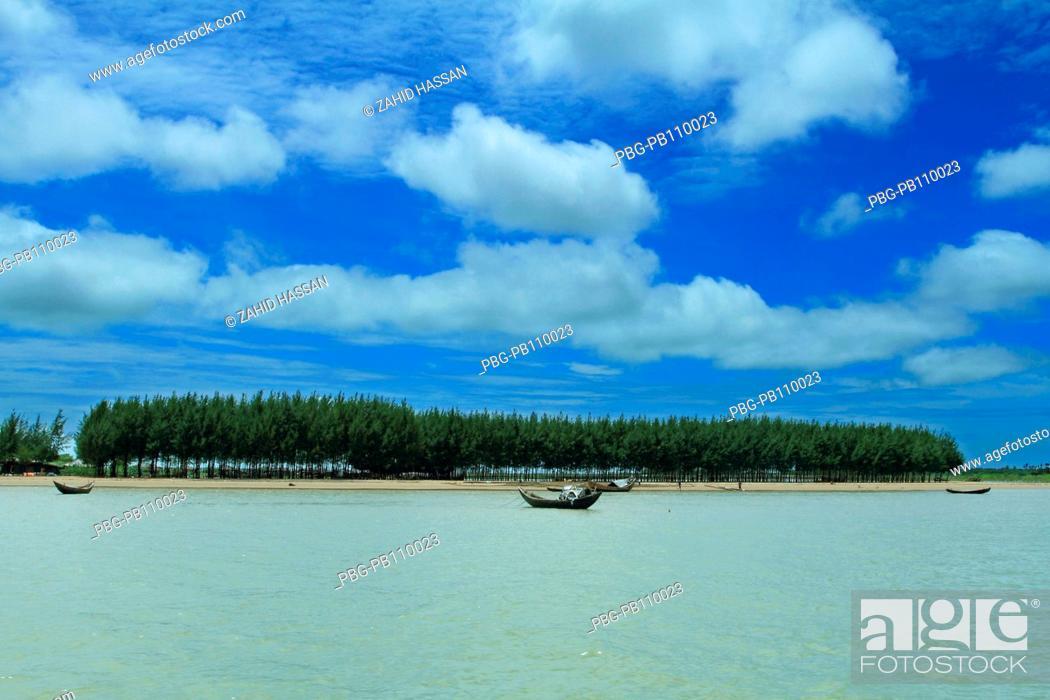Stock Photo: Fishing boats at Shahparir Dwip at Teknaf CoxÆs Bazar, Bangladesh January 2009.