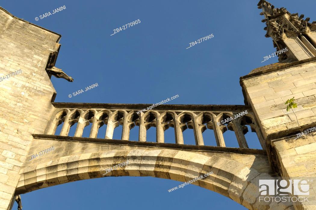 Stock Photo: Cathédrale Saint-André, Place Pey Berland, Bordeaux, Aquitaine, France, Europe.