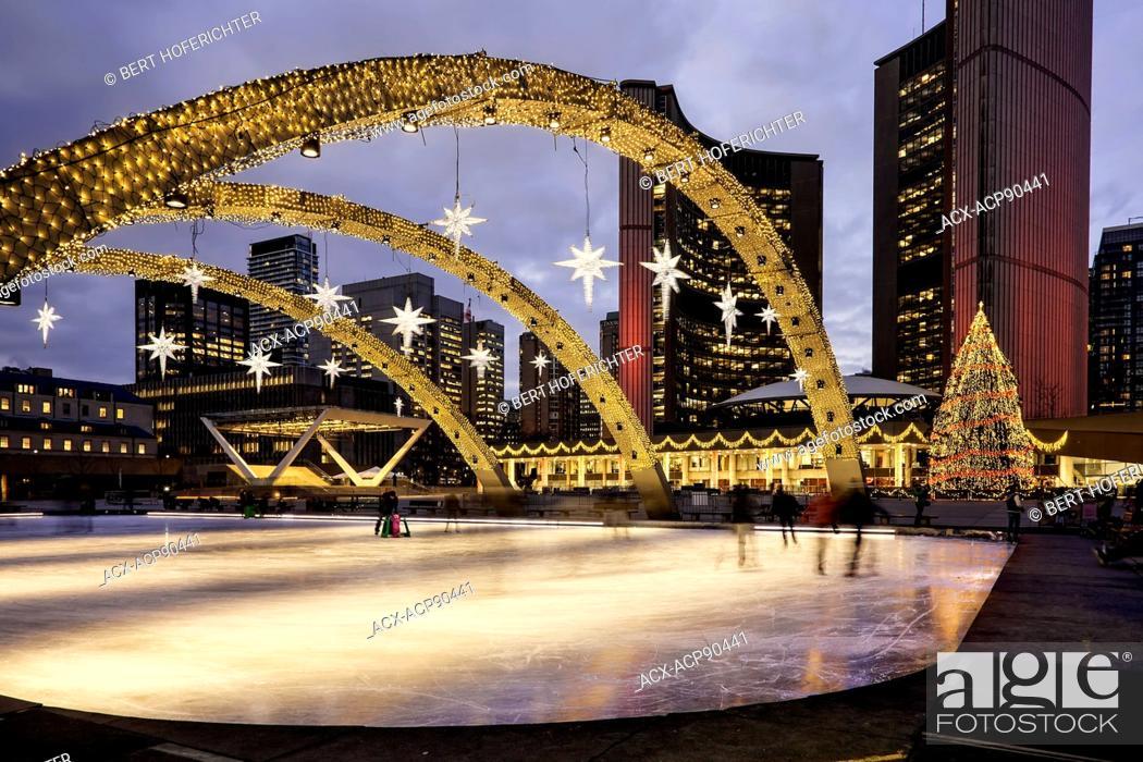 Phillips Christmas Lights.Christmas Lights And Christmas Tree At Nathan Phillips
