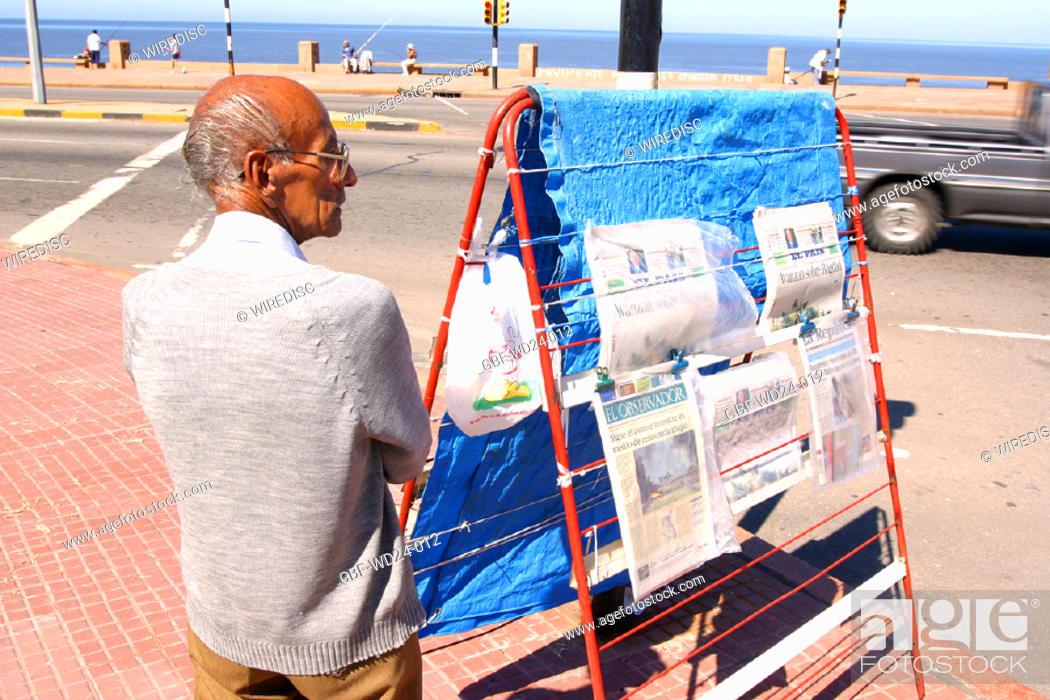 Stock Photo: People, man, salesman, newspaper.