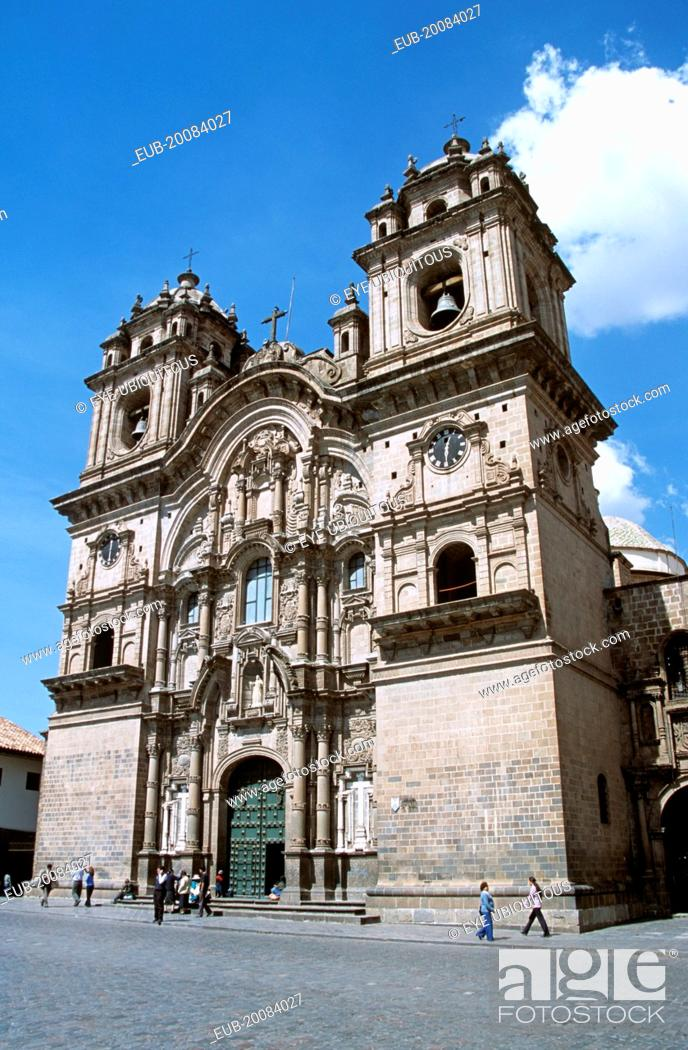 Stock Photo: Iglesia La Compania de Jesus, Plaza de Armas.