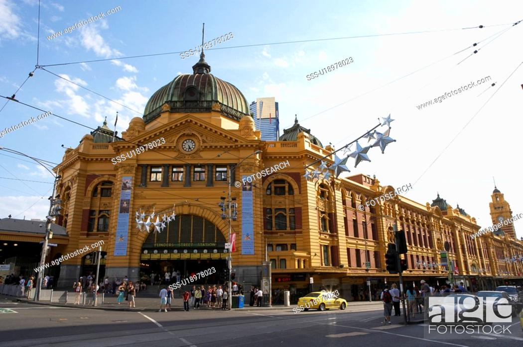 Stock Photo: Filnders Street Station, Melbourne, Australia.