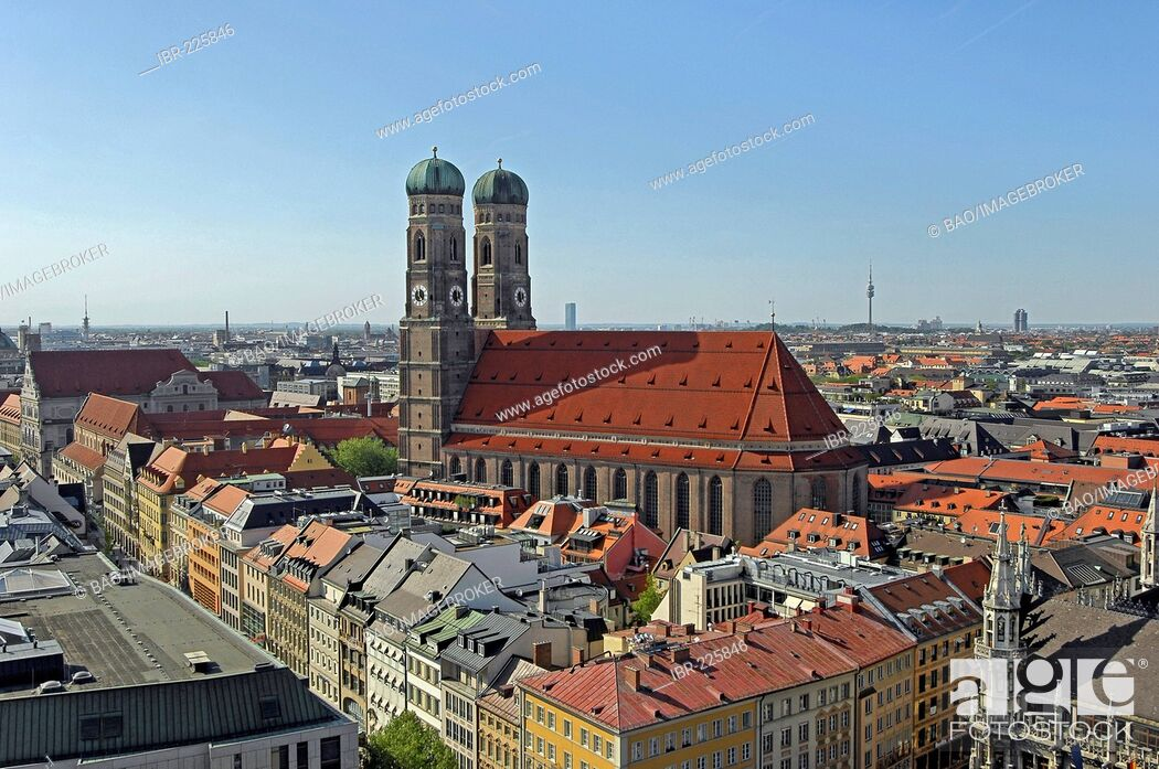 Photo de stock: Panorama with church Frauenkirche, Munich, Bavaria, Germany.