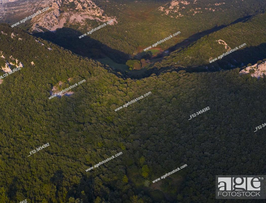 Photo de stock: Aerial View, Mount Candina, Liendo, Liendo Valley, Montaña Oriental Costera, Cantabrian Sea, Cantabria, Spain, Europe.