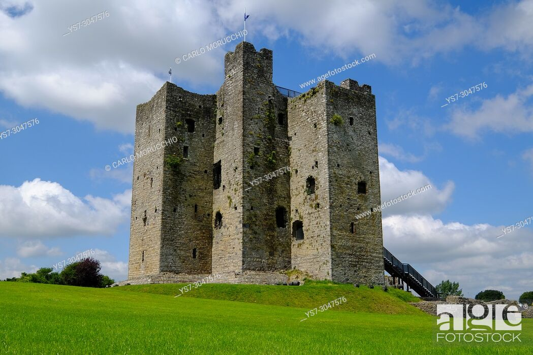 Stock Photo: Trim Castle, a Norman castle on the south bank of the River Boyne in Trim, County Meath, Ireland, Europe.