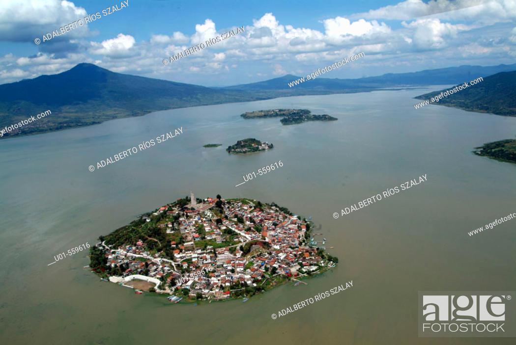 Stock Photo: Janitzio Island with its 40-meter statue of José María Morelos, Pátzcuaro Lake , Mexico.