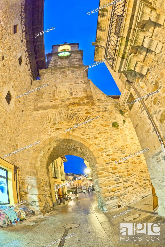 Stock Photo: Torre del Reloj, 16th Century Clock Tower, Arco de las Eras, Old Town, Ponferrada, León Province, Castilla y León, Spain, Europe.