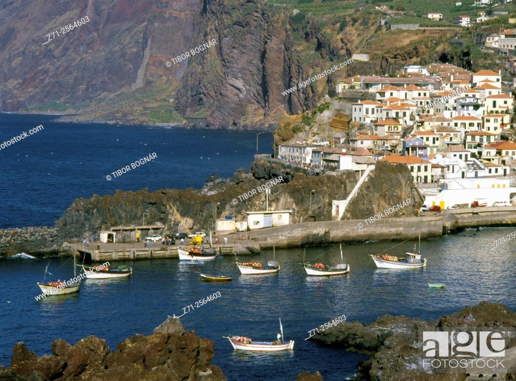 Imagen: Portugal, Madeira, Camara de Lobos, fishing village, .