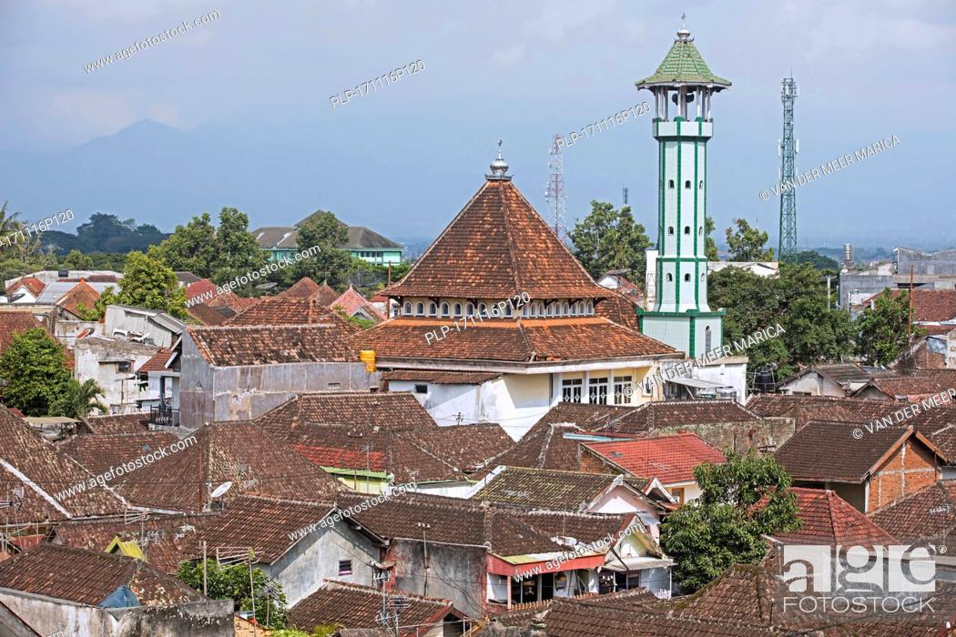 Aerial View Over Red Roofed Kampung Houses And Old Mosque With Minaret In The City Malang Stock Photo Picture And Rights Managed Image Pic Plp 171116p120 Agefotostock