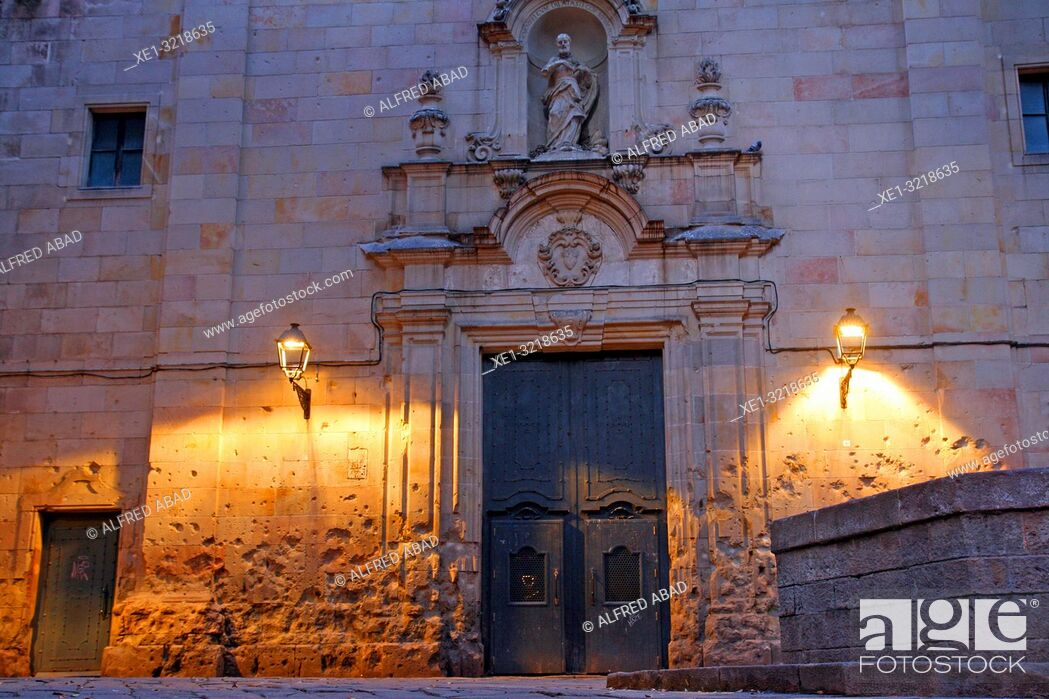 Imagen: Sant Felip Neri square at dawn, Gothic quarter, Barcelona, Catalonia, Spain.