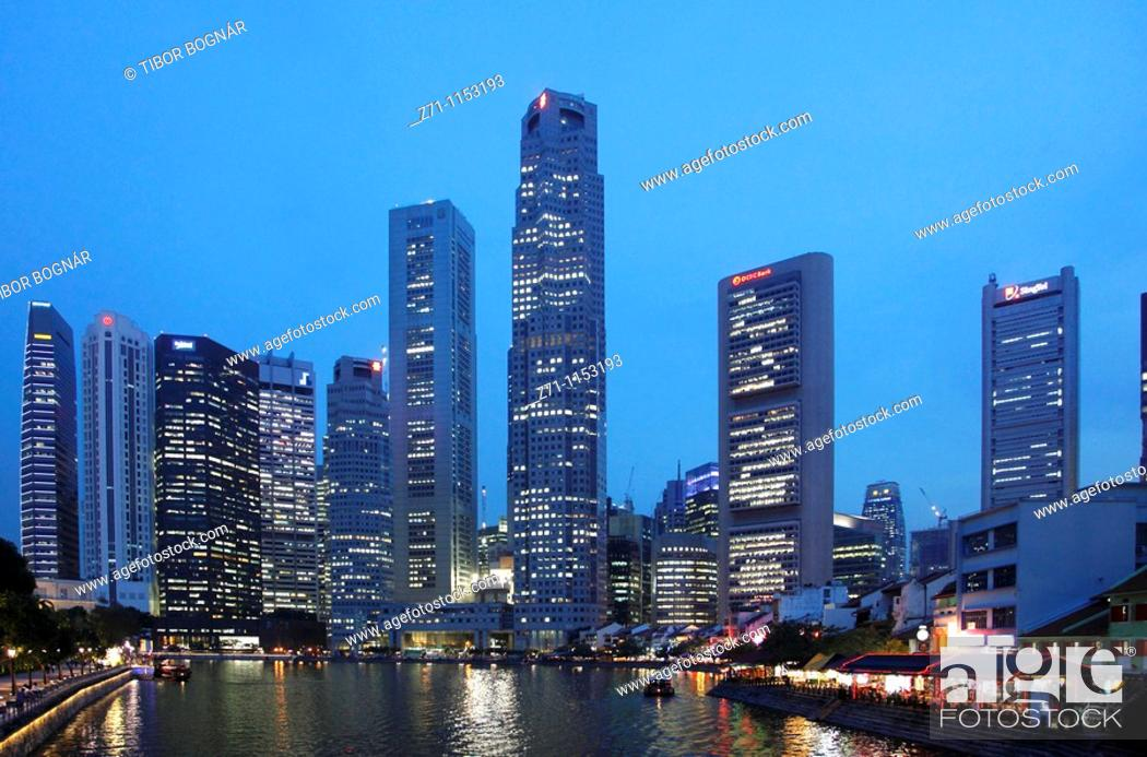Stock Photo: Singapore, Central Business District, Boat Quay, Singapore River,.