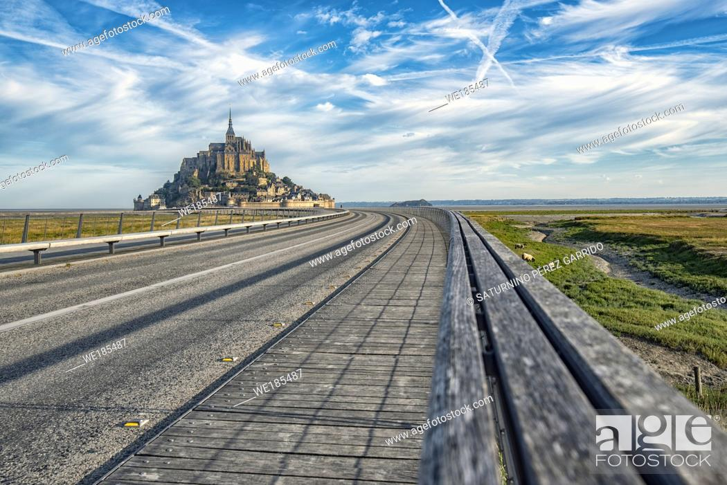 Stock Photo: Road that guides us access to Mount Saint Michel with its Abbey.