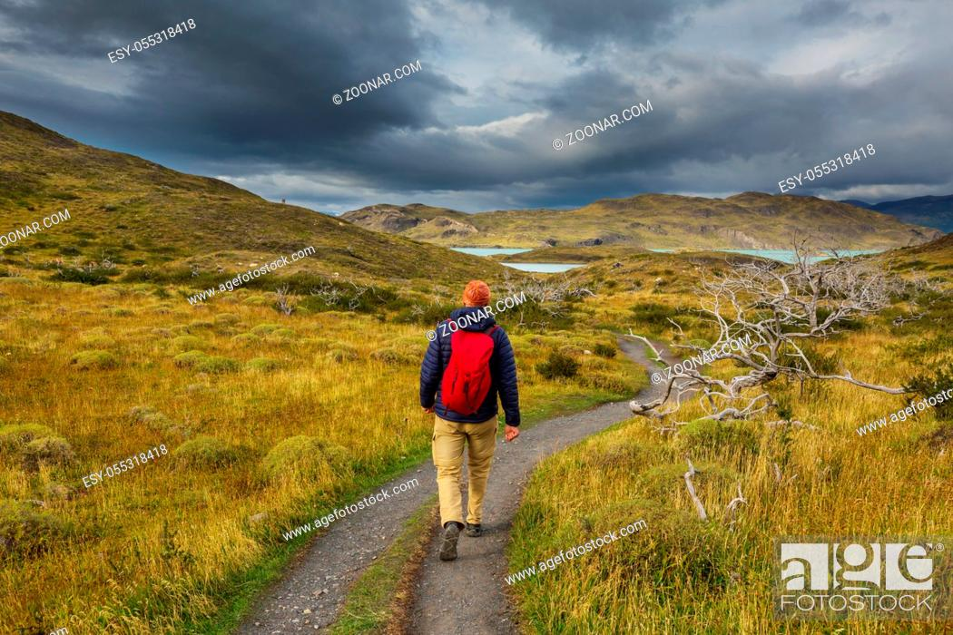 Photo de stock: Hike in the Patagonian mountains, Argentina.