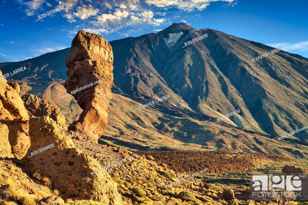 Imagen: Roques de Garcia, Las Cañadas, El Teide National Park, Tenerife, Canary Island, Spain.