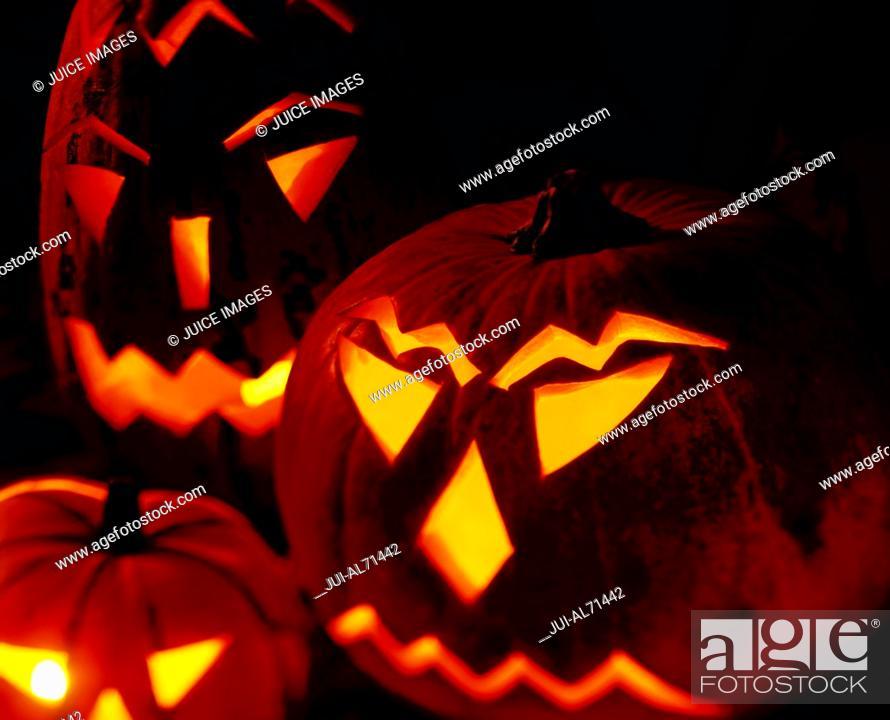 Stock Photo: Portrait of a group of jack-o-lanterns.