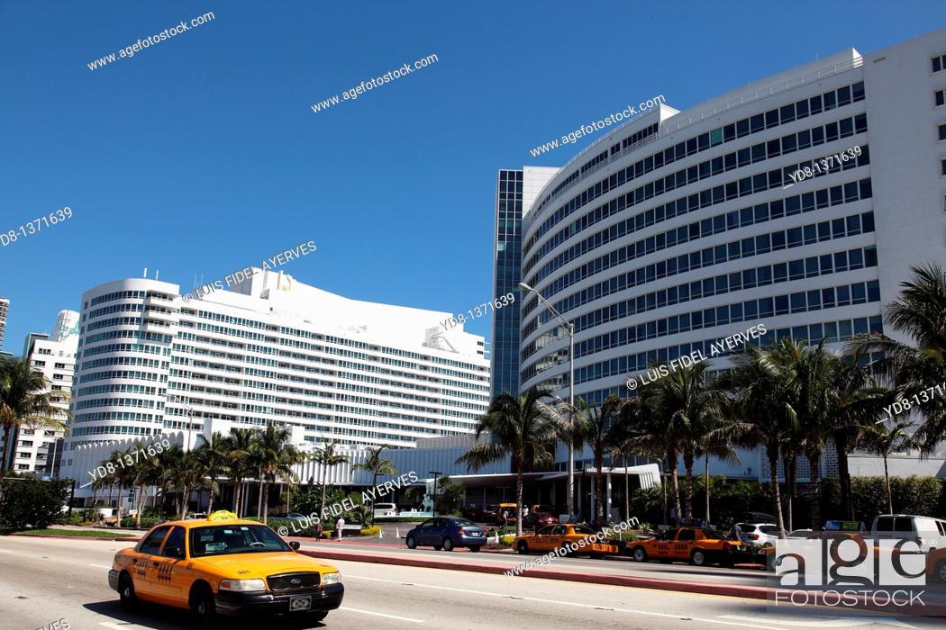 Stock Photo: Taxi and Hotel Fontanblue Collins Avenue in Miami Beach, Florida, USA.