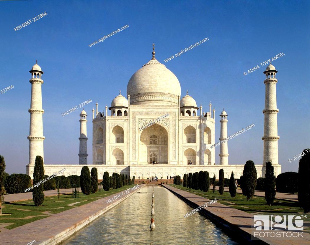 Stock Photo: India. Uttar Pradesh. Agra. Taj Mahal.