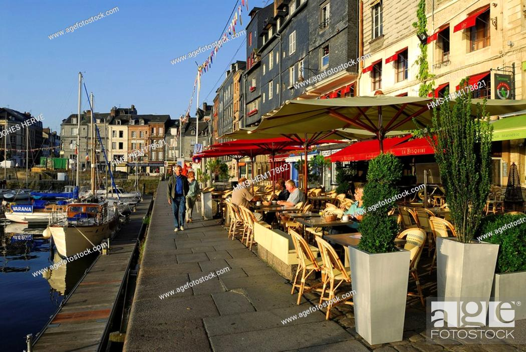 Stock Photo: France, Calvados, Honfleur, the old basin and Sainte Catherine quay.