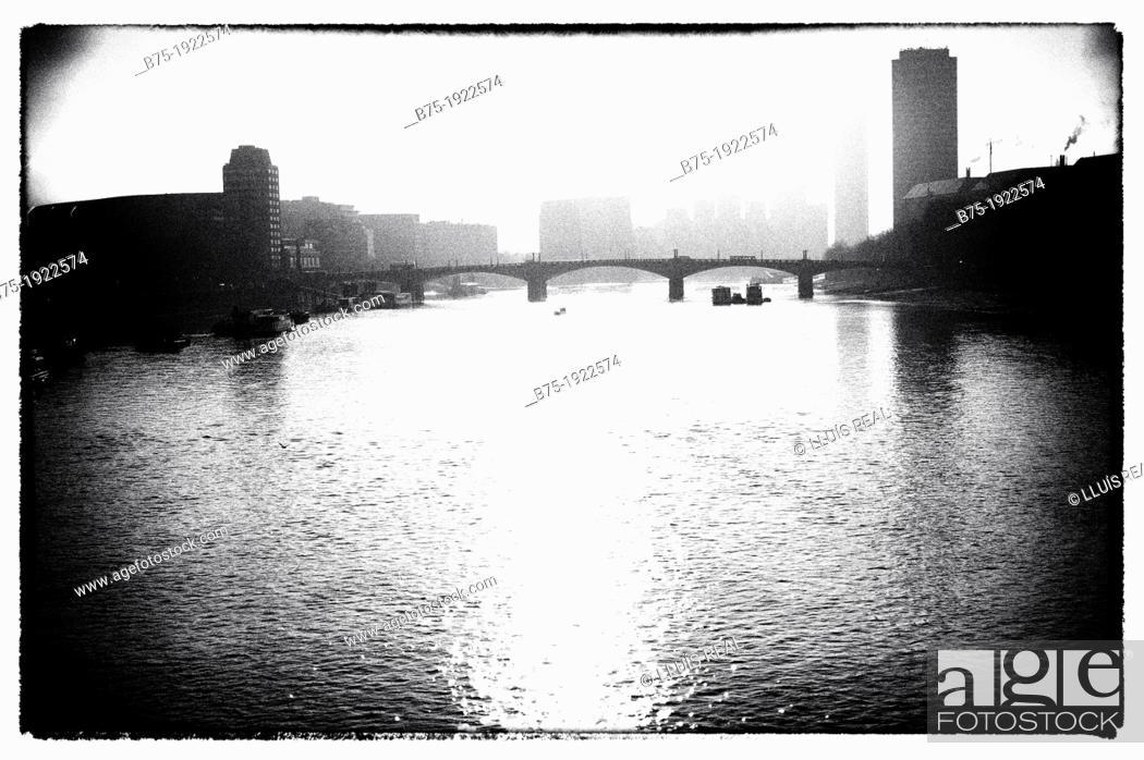 Stock Photo: view of Lambeth Bridge, River Thames, London, England, UK.