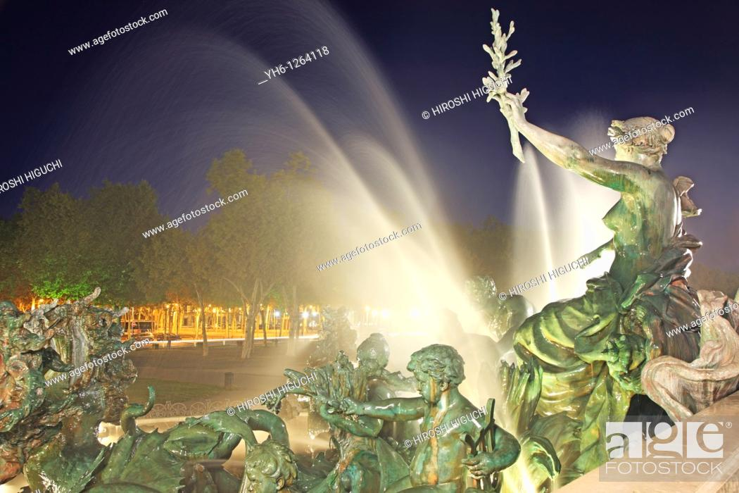 Stock Photo: France, Bordeaux, Monument aux Girondins.