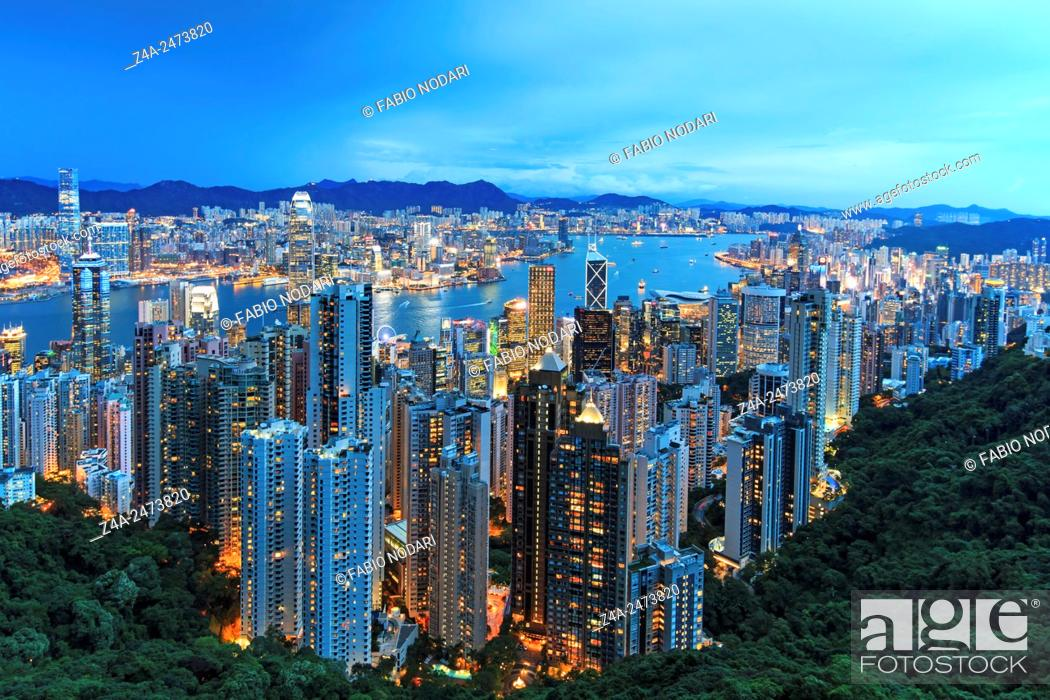 Imagen: Hong Kong by night, from the Victoria Peak.