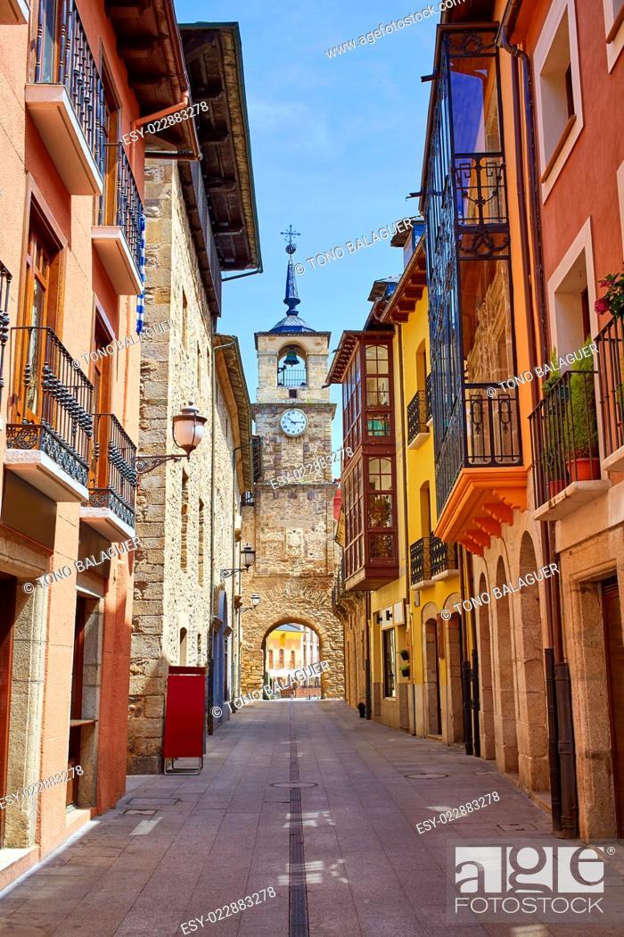 Photo de stock: Way of Saint James by Ponferrada El Bierzo of Leon.