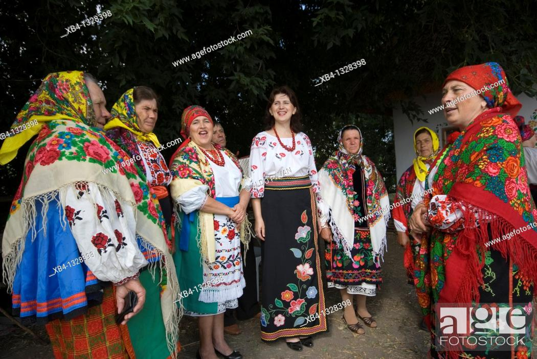 Stock Photo: Ukraine, Sorochintsky, Yarmarok, traditional fair.