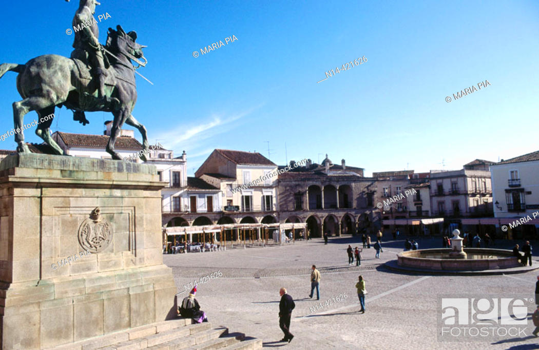 Stock Photo: Monument to Franciso Pizarro in the Main Square, Trujillo. Cáceres province, Spain.