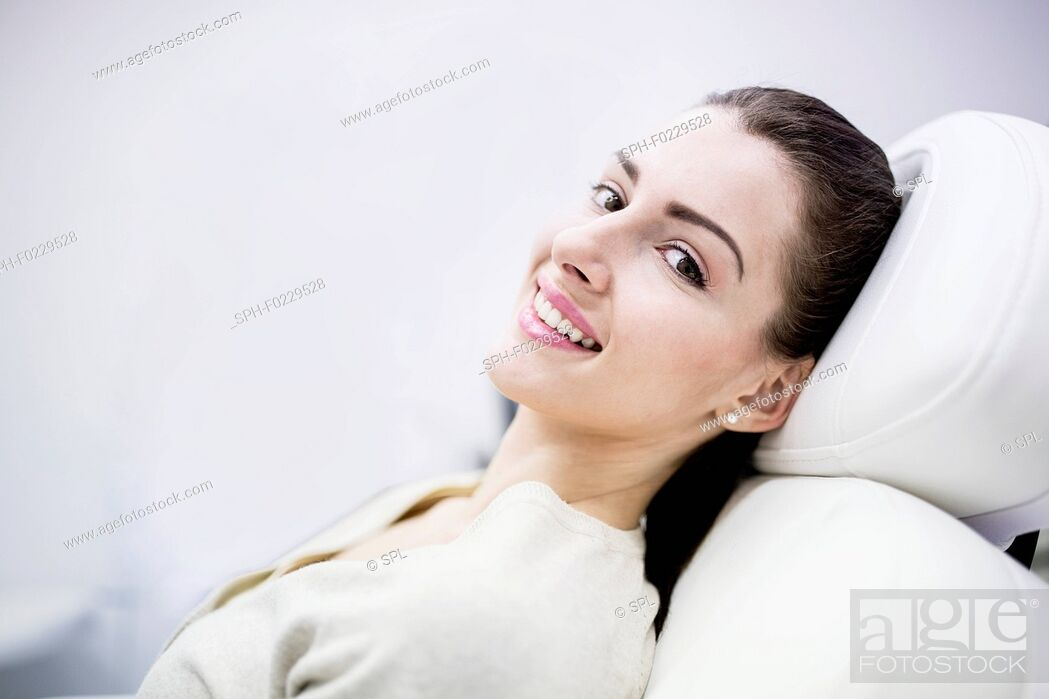 Stock Photo: Woman lying on couch in clinic.