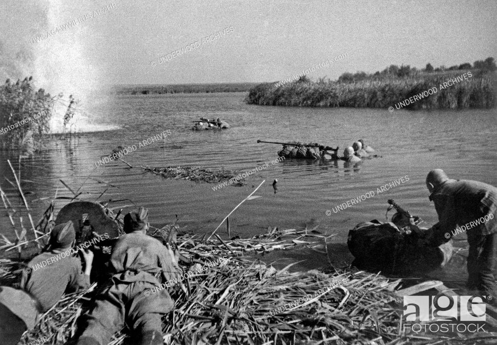 Stock Photo: Dneiper River, Russia: 1943.Russian troops fighting on the Dneiper River.
