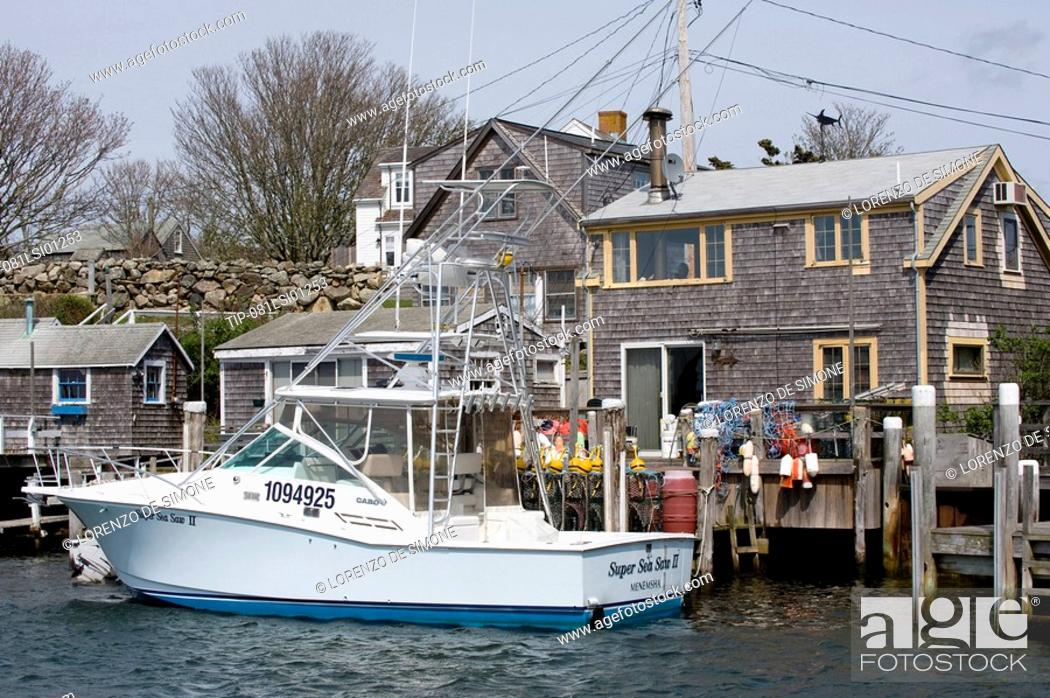 Stock Photo: USA, Massachusetts, Martha's Vineyard, Menemsha, the harbour.