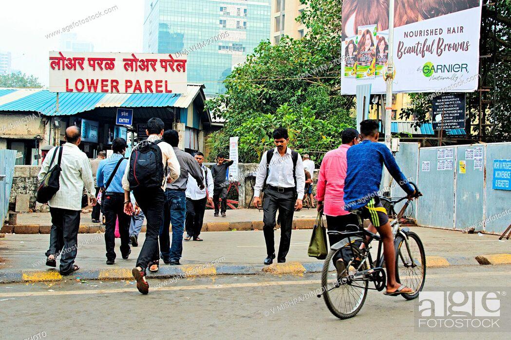 Imagen: Lower Parel Railway Station, Mumbai, Maharashtra, India, Asia.