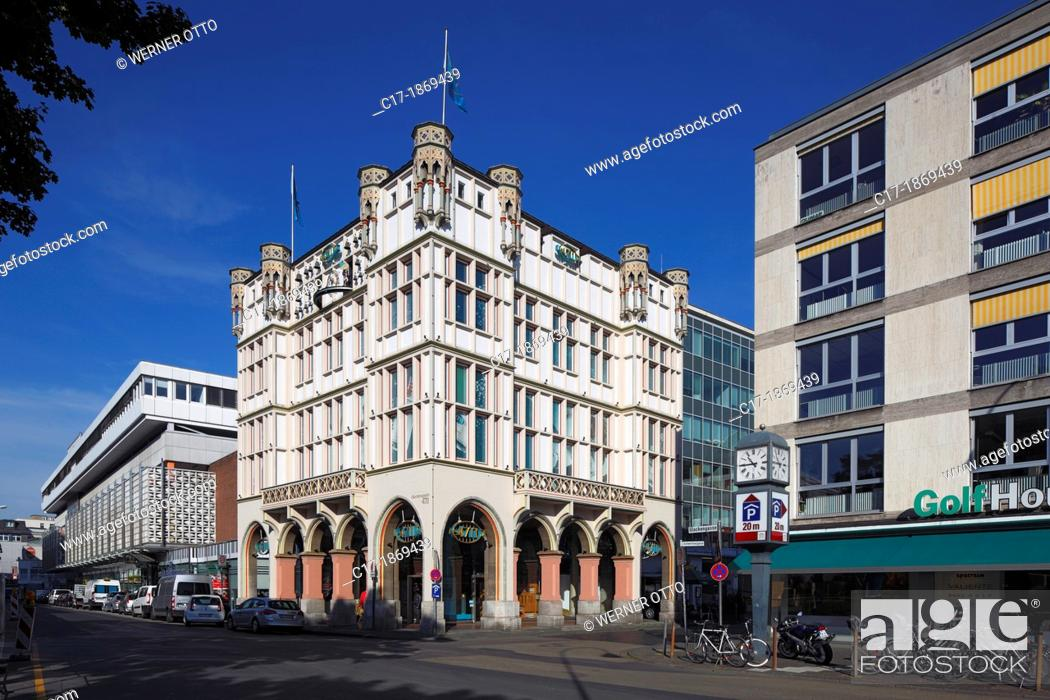 Stock Photo: Germany, Cologne, Rhine, Rhineland, North Rhine-Westphalia, NRW, old city, head office of the Muelhens company in the Glockengasse 4, 4711.