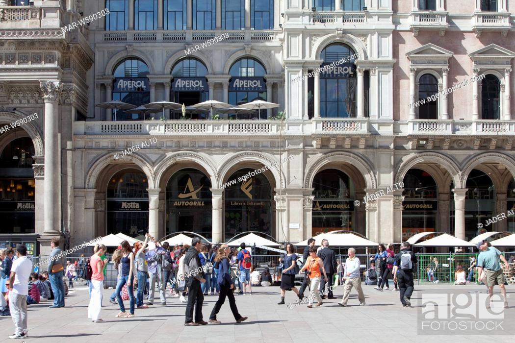 Terrazza Aperol Piazza Del Duomo Milan Stock Photo