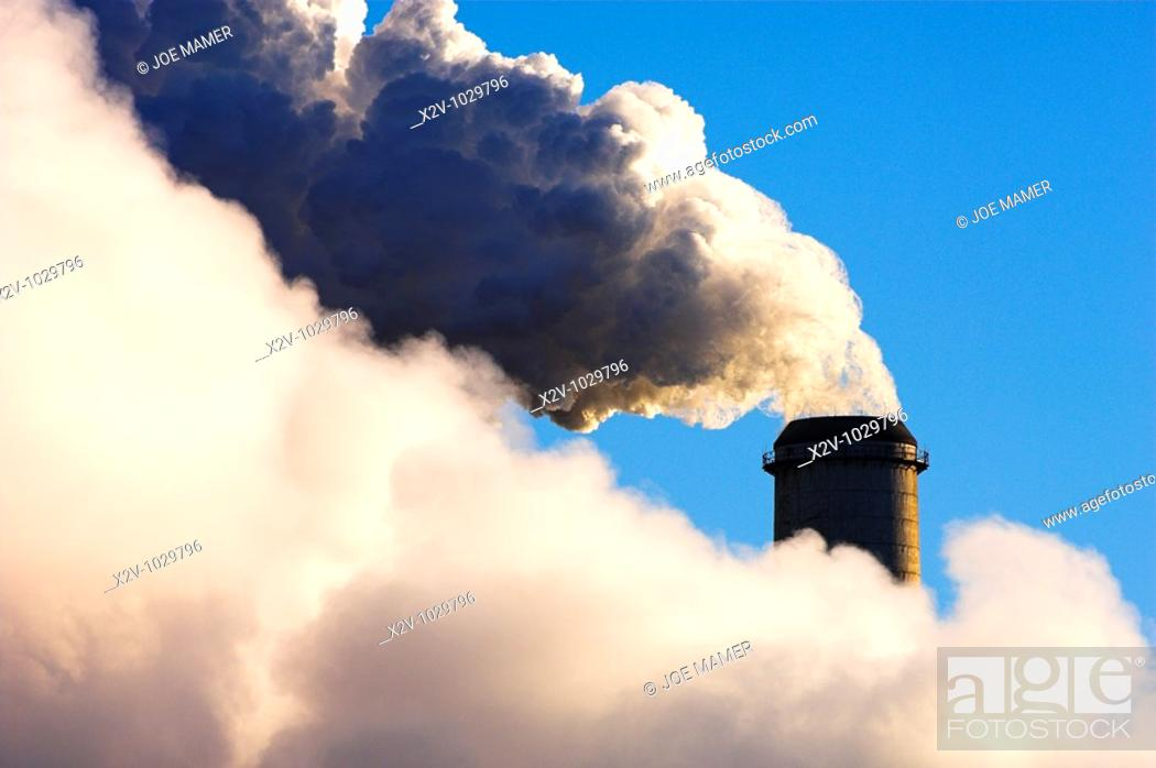 Stock Photo: Steam rising from stack and cooling towers at Monticello nuclear power plant  10 degrees below zero F.