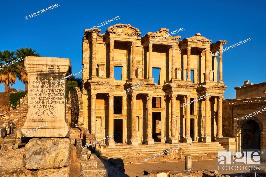 Stock Photo: Turkey, Izmir province, Selcuk city, archaeological site of Ephesus, Celsus library.