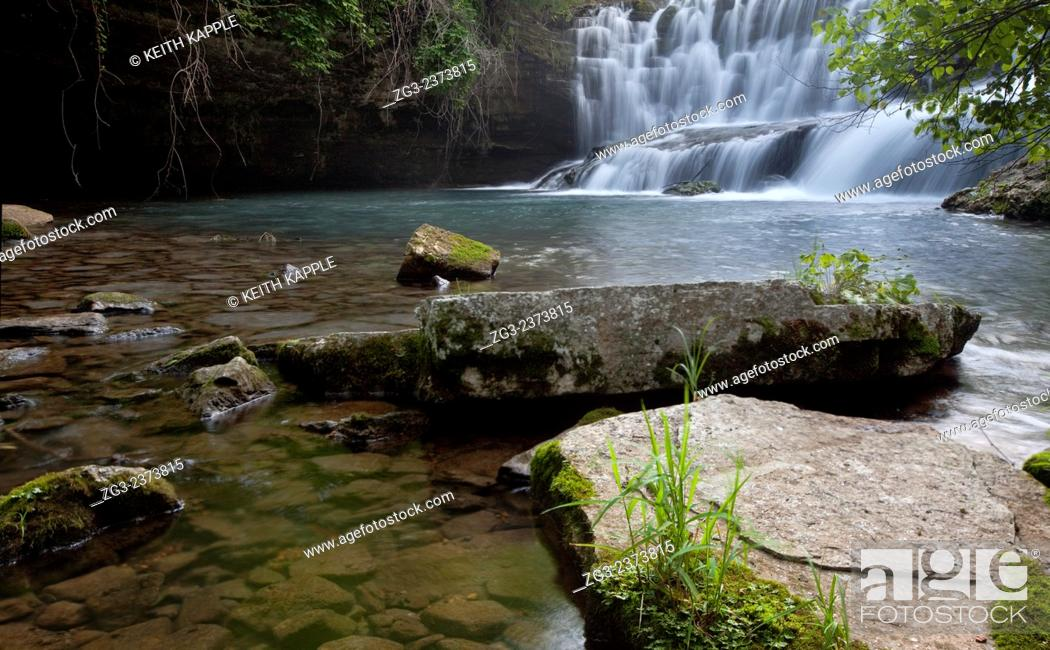 Stock Photo: Waterfall in the Ozark Mountains, Blanchard Springs, Arkansas.